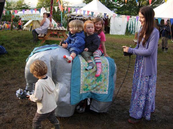 elephant-robot-glastonbury-festival